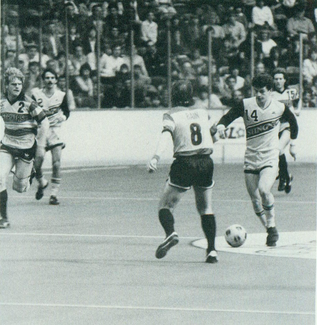 Strikers 84-85 Home Back John Bain, Sting